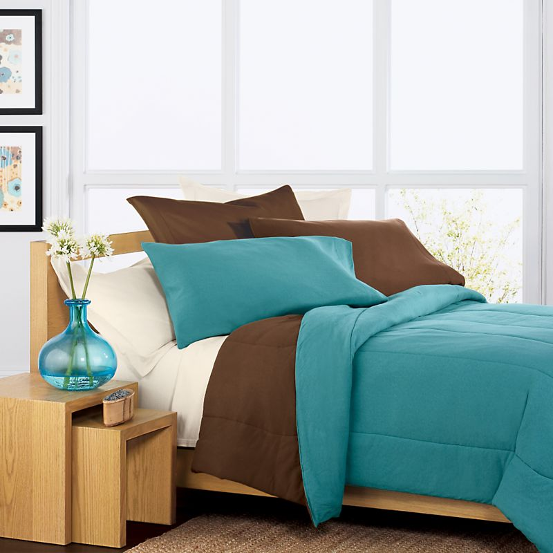Discover Teal Comforter