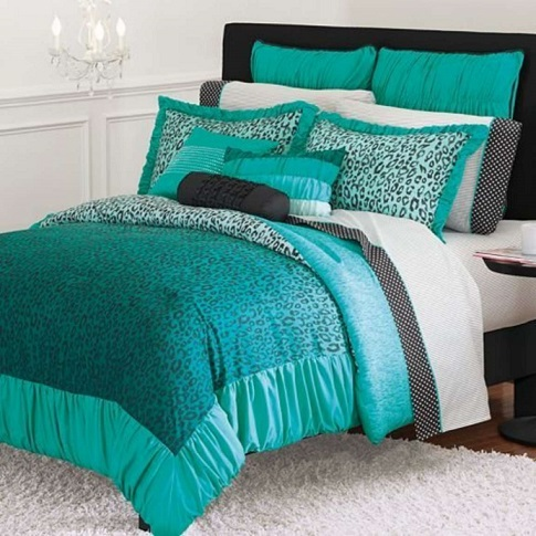 The Comfort And D 233 Cor Effect Of A Teal Comforter Teal
